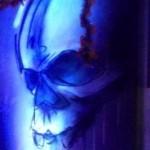 Schaurige Gestalten in bizarren Kostümen bevölkern zu Halloween die GFK-Halle