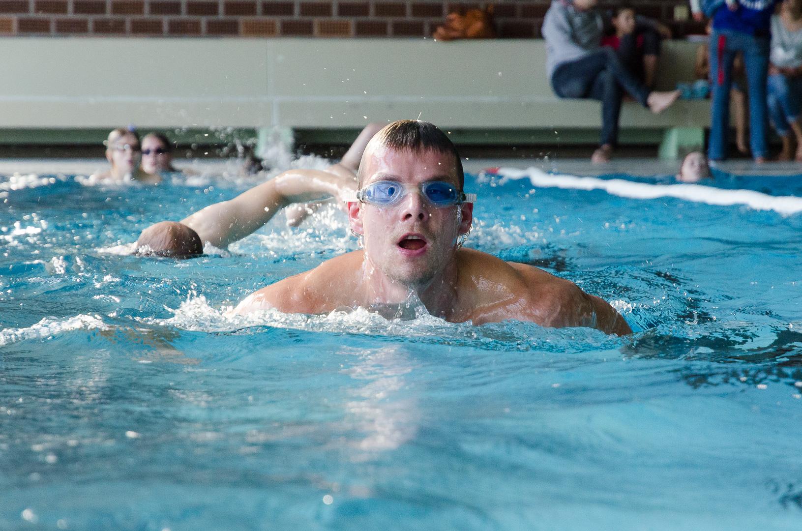 Die Gesellschaft für Konfliktmanagement (GFK) beteiligt sich am 6 Stunden Spenden Schwimmen der GTRS für soziale Projekte